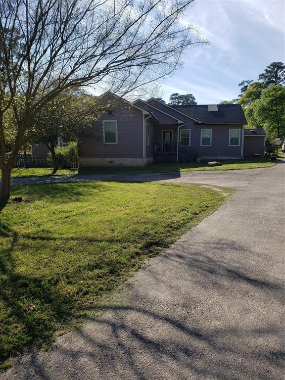 714 Shawnee Drive, Conroe, TX 77316 (MLS #38226413) :: Green Residential