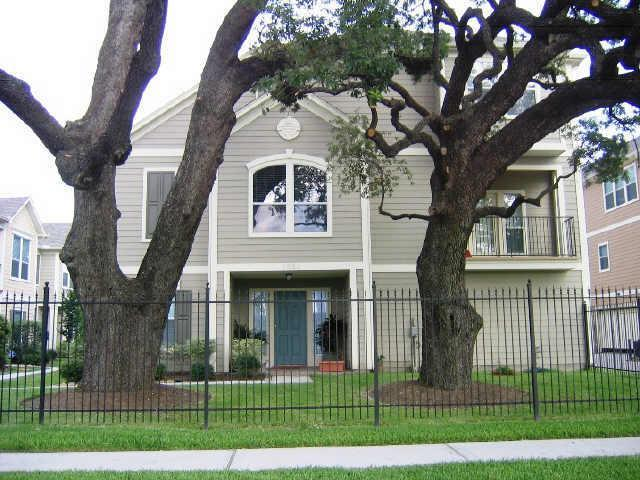 1323 Paige Street, Houston, TX 77003 (MLS #38371797) :: The Kevin Allen Jones Home Team