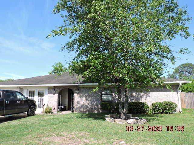 5003 Quail Hollow Drive, Baytown, TX 77521 (MLS #38377403) :: The SOLD by George Team