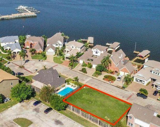7311 Offats Point Circle, Galveston, TX 77551 (MLS #38462200) :: The Parodi Team at Realty Associates