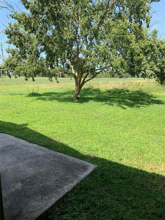 2586 County Road 605, Dayton, TX 77535 (MLS #38497108) :: The Freund Group