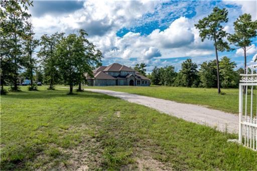 9679 Pioneer Trace, Conroe, TX 77303 (MLS #38536147) :: Magnolia Realty