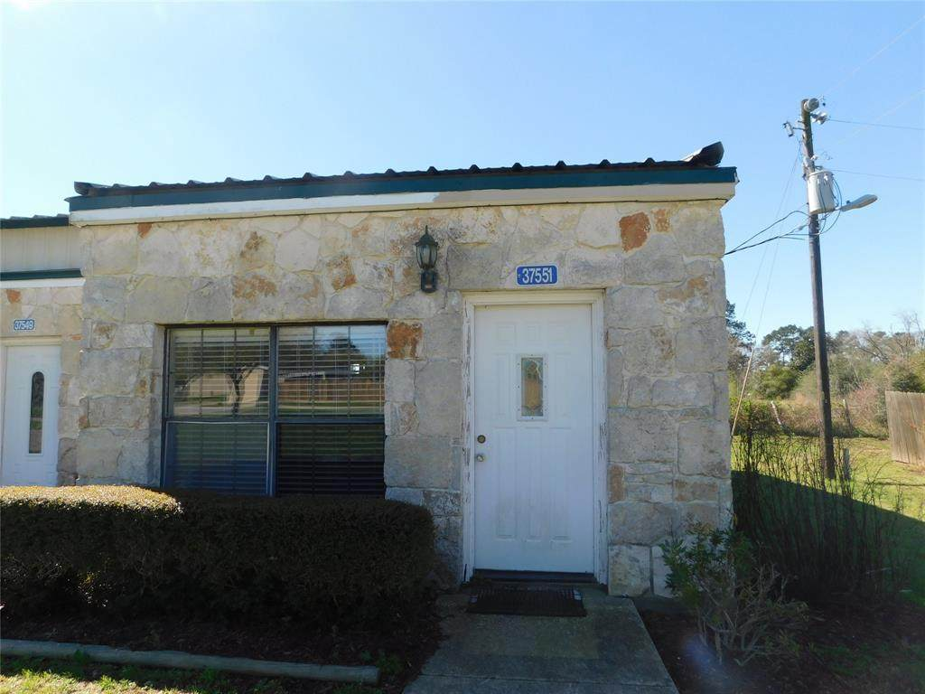 37551 Meadowview Drive - Photo 1