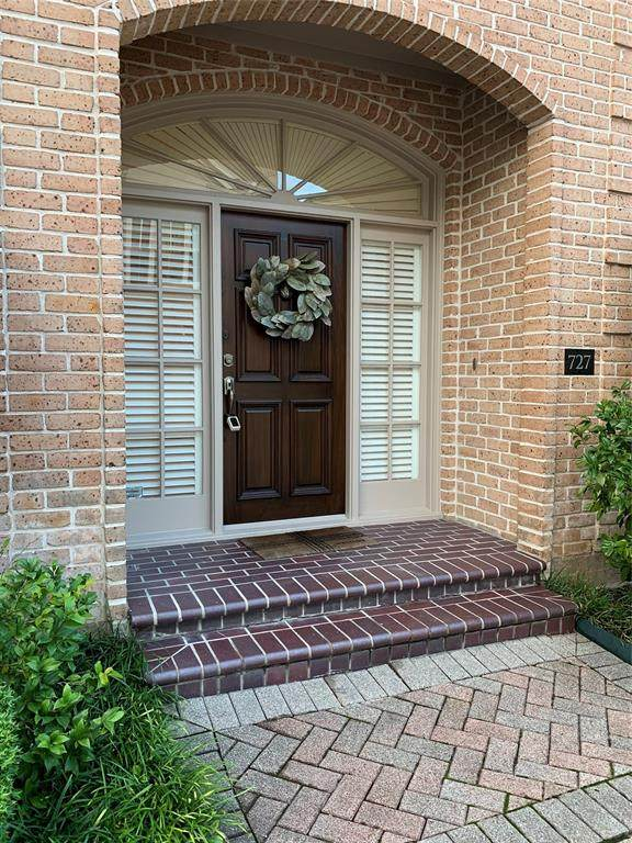 727 Highgrove Park, Houston, TX 77024 (MLS #38926896) :: Michele Harmon Team