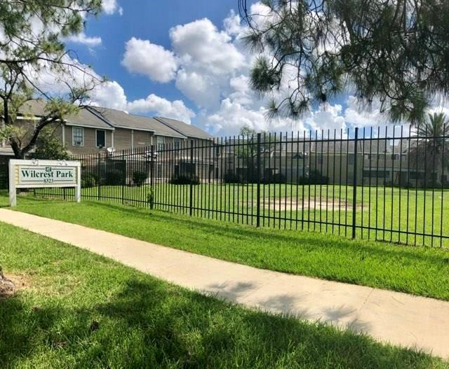 8405 Wilcrest Drive #2206, Houston, TX 77072 (MLS #39197868) :: The Heyl Group at Keller Williams