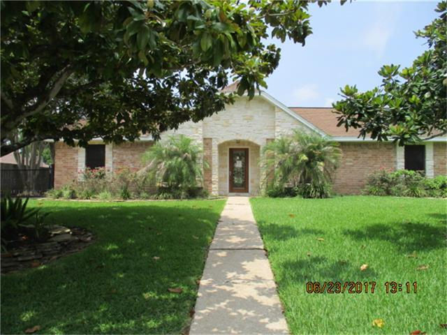 610 Tanglewood Drive, Friendswood, TX 77546 (MLS #39240403) :: REMAX Space Center - The Bly Team