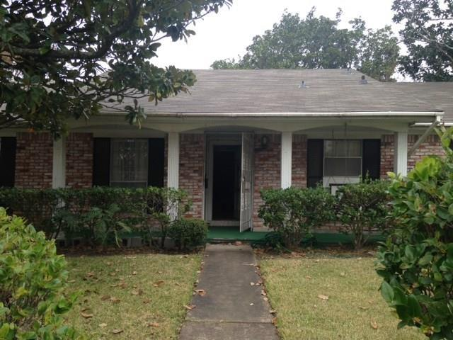 4122 Regency Drive, Houston, TX 77045 (MLS #39565966) :: Team Parodi at Realty Associates