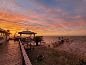 305 Captains, Smith Point, TX 77514 (MLS #39688529) :: The Queen Team