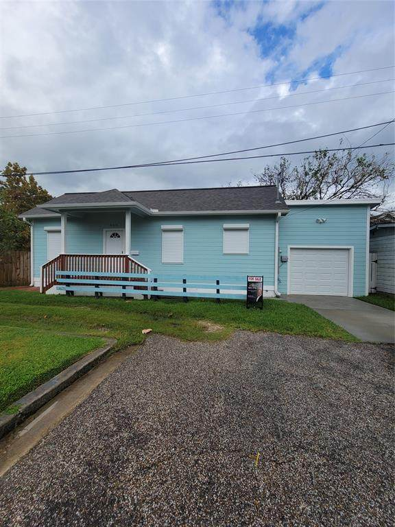 4315 Ave Q 1/2, Galveston, TX 77550 (MLS #39895982) :: The Home Branch