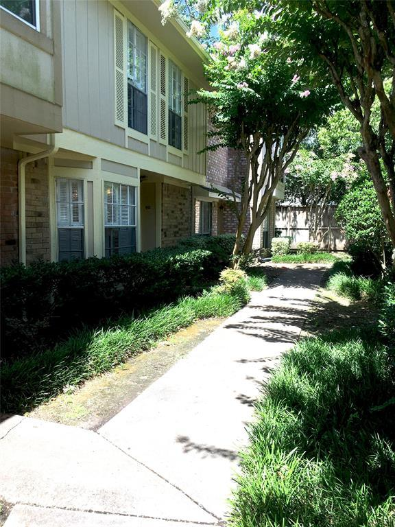 727 Bunker Hill Road #60, Houston, TX 77024 (MLS #4005238) :: Krueger Real Estate