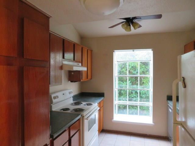 9809 Richmond Avenue A13, Houston, TX 77042 (MLS #40221900) :: Magnolia Realty