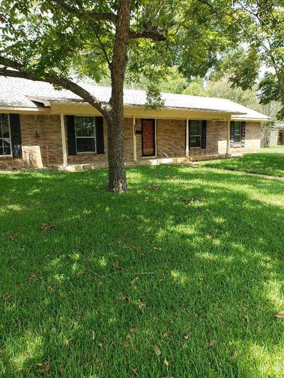 1300 Plantation Drive, Crockett, TX 75835 (MLS #40260066) :: NewHomePrograms.com LLC