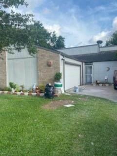 13215 Gaby Virbo Drive, Houston, TX 77083 (MLS #40327665) :: Christy Buck Team