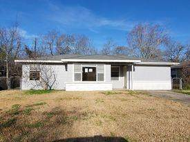 103 Danubina Street, Baytown, TX 77520 (MLS #40459999) :: Christy Buck Team