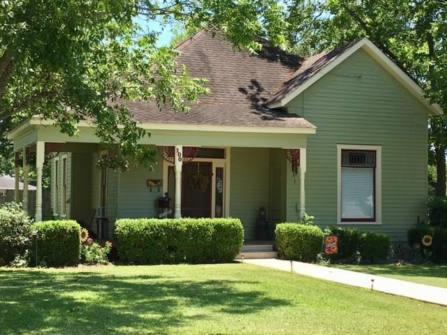 100 E Saint Charles Street, Weimar, TX 78962 (MLS #40693764) :: Connect Realty