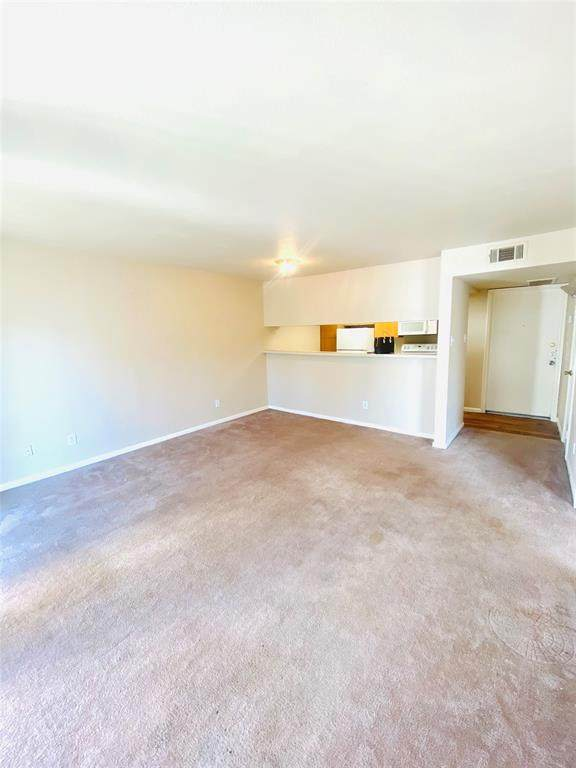 2824 S Bartell Drive #212, Houston, TX 77054 (MLS #41074141) :: The SOLD by George Team