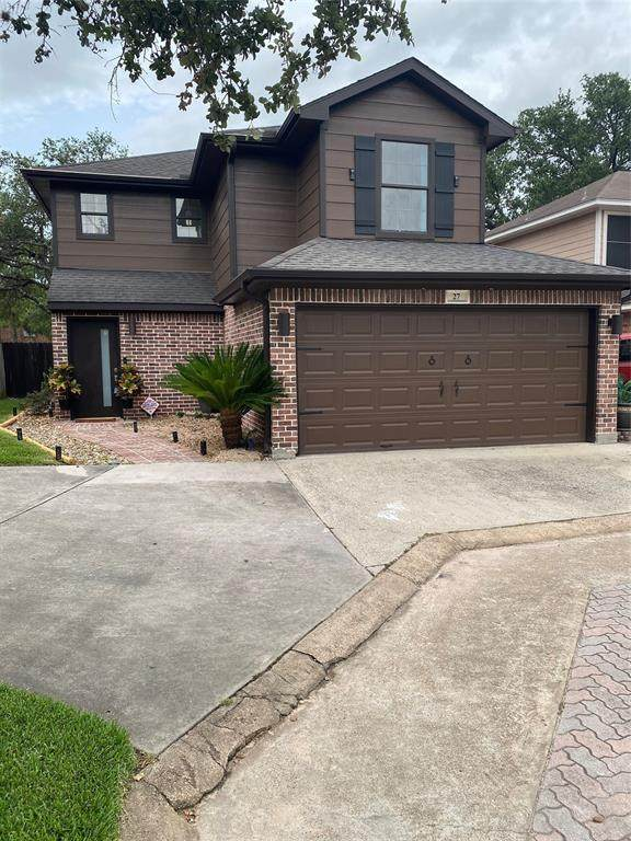 27 Regency Lane Lane, Houston, TX 77088 (MLS #411917) :: The SOLD by George Team