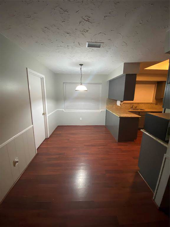 11910 Kirknoll Drive, Houston, TX 77089 (MLS #41682499) :: Ellison Real Estate Team