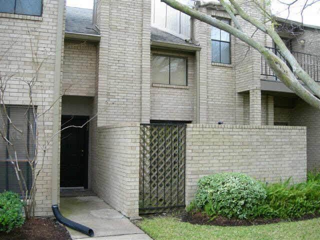10811 Richmond Avenue #80, Houston, TX 77042 (MLS #4168462) :: Texas Home Shop Realty