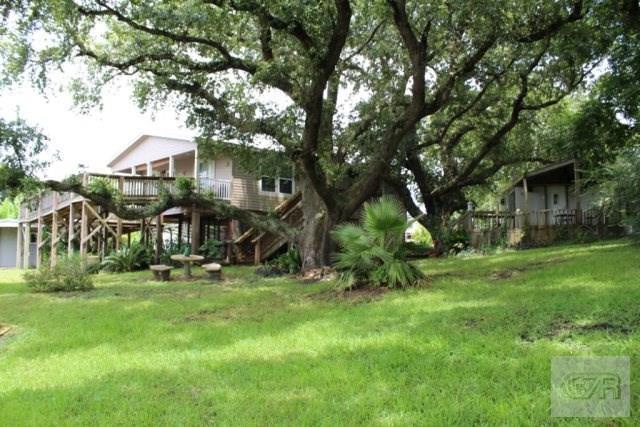 1461 Weeks Avenue, High Island, TX 77623 (MLS #41767401) :: Texas Home Shop Realty