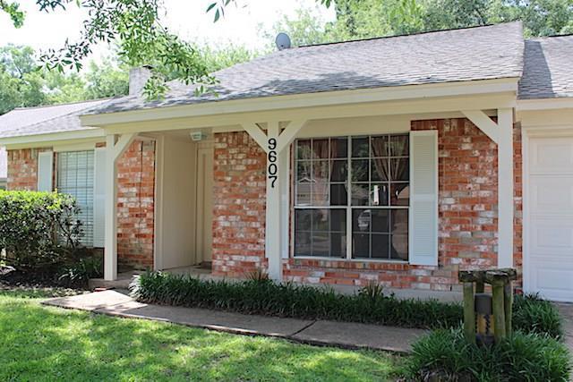 9607 Charter Ridge Drive, Houston, TX 77070 (MLS #41821859) :: Texas Home Shop Realty
