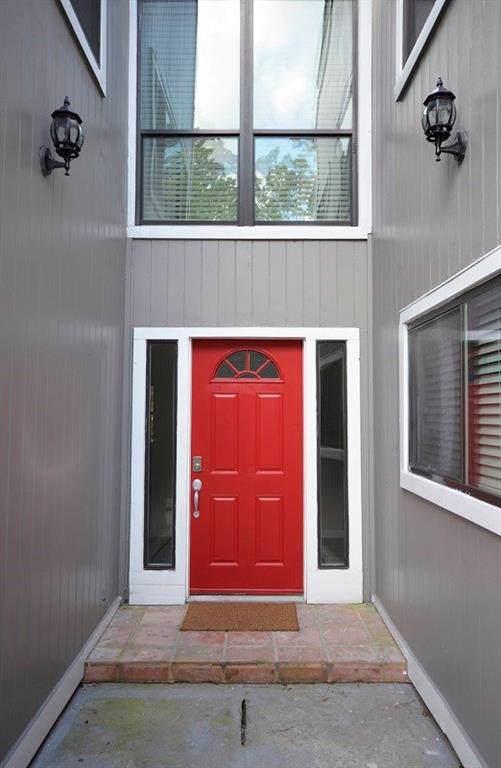 12847 Orion Court E, Willis, TX 77318 (MLS #42002384) :: Green Residential