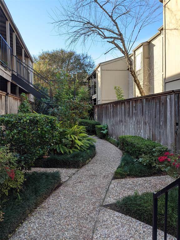 5711 Sugar Hill Drive #59, Houston, TX 77057 (MLS #42096387) :: Ellison Real Estate Team