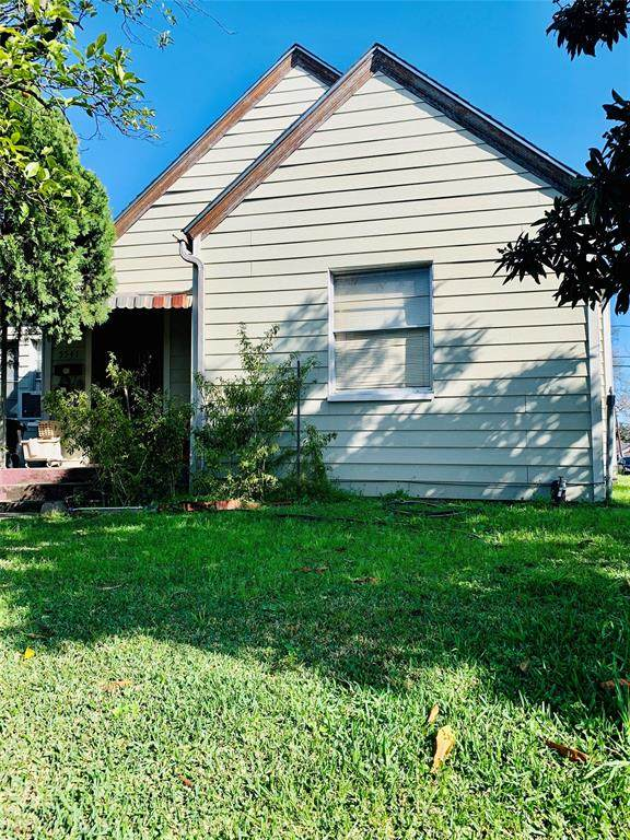 5541 Lawson Street, Houston, TX 77023 (MLS #42263411) :: NewHomePrograms.com LLC