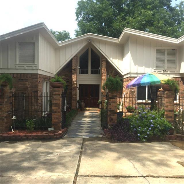 200 Springview, Livingston, TX 77351 (MLS #4284062) :: Mari Realty