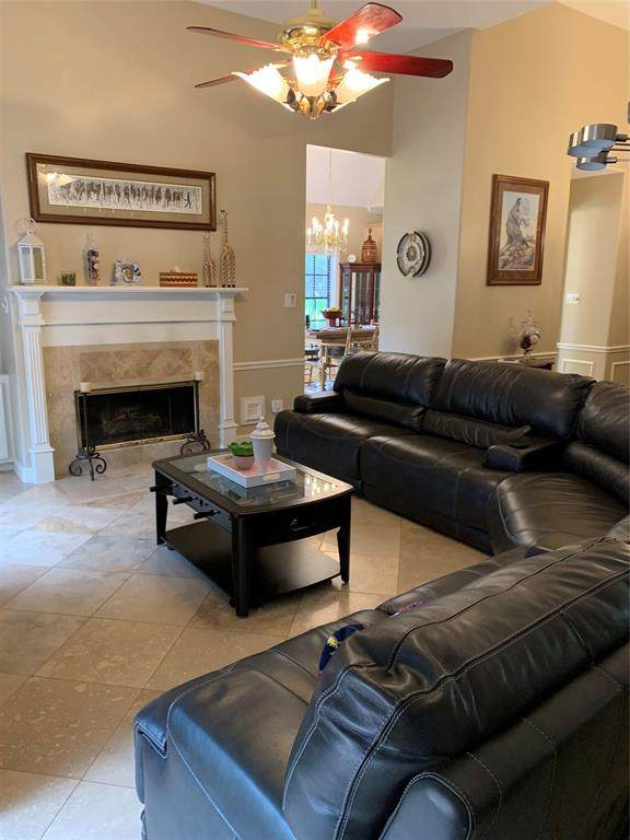 2502 Lakeside Drive, Seabrook, TX 77586 (MLS #42859098) :: Giorgi Real Estate Group