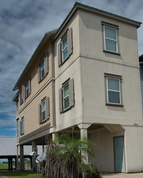 2203 Nelson Avenue, Port Bolivar, TX 77650 (MLS #42882981) :: Texas Home Shop Realty