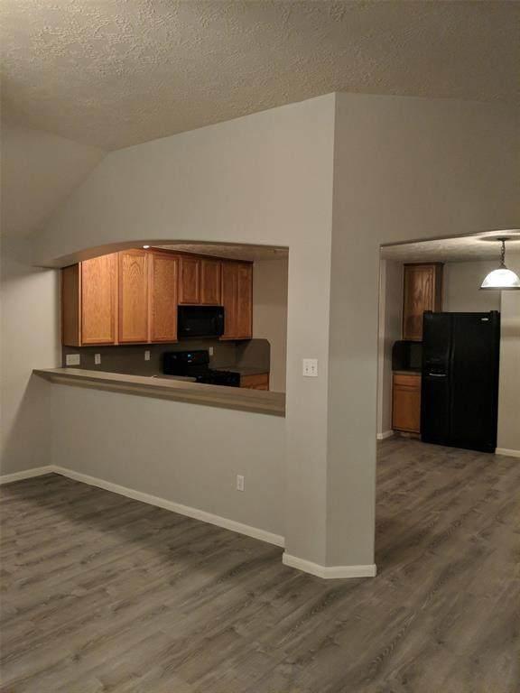 32006 Decker Oaks Drive, Pinehurst, TX 77362 (MLS #42970002) :: Giorgi Real Estate Group