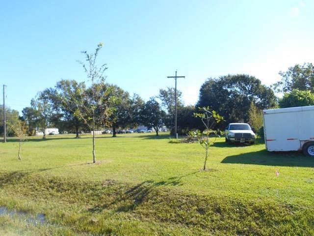 000 S Kansas, Anahuac, TX 77514 (MLS #43074786) :: Green Residential