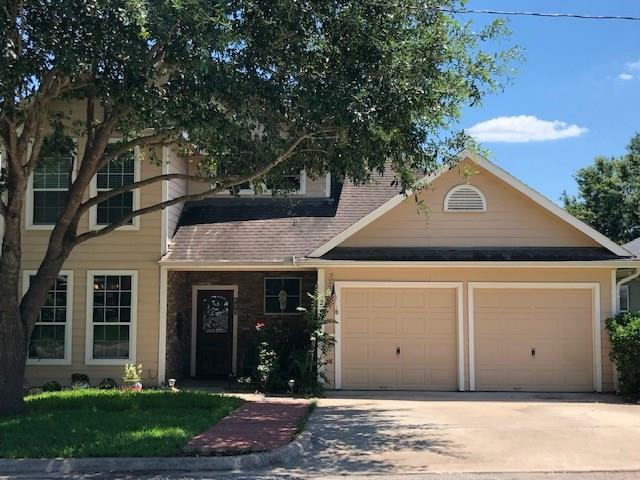 201 W Chatham Street, Bellville, TX 77418 (MLS #43713456) :: The SOLD by George Team