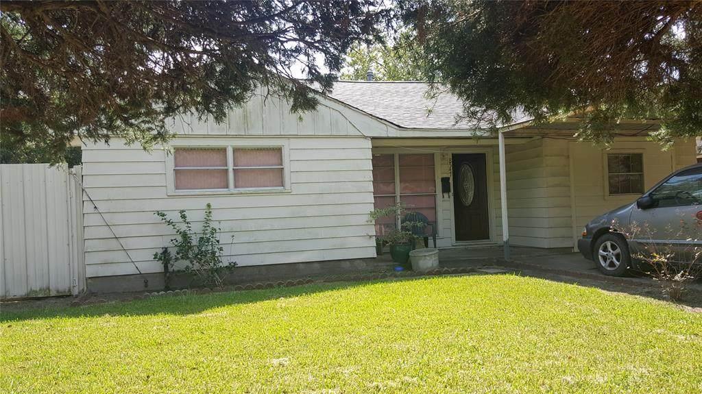 8547 Sonneville Drive - Photo 1