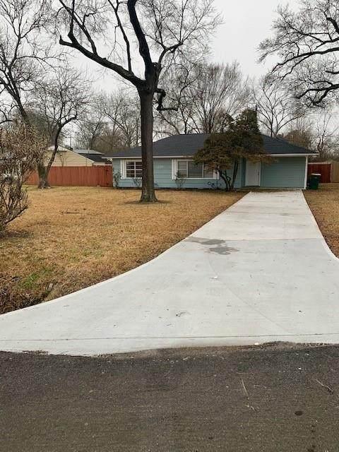 219 Wildwood Street, Baytown, TX 77520 (MLS #43768665) :: Michele Harmon Team