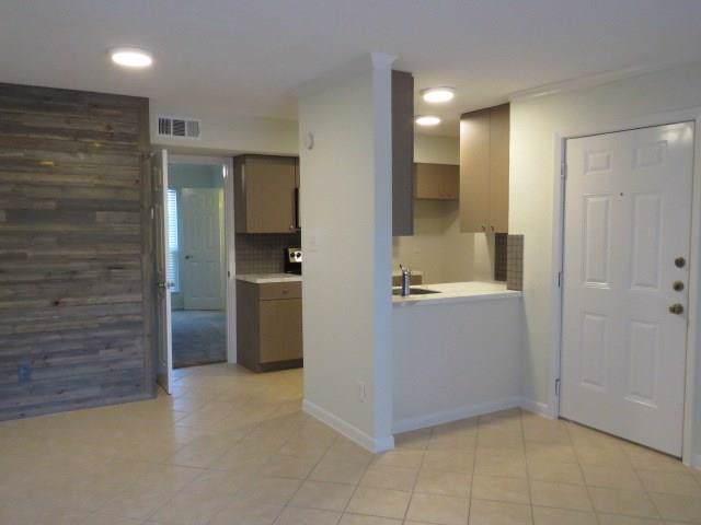3300 Pebblebrook Drive #1, Seabrook, TX 77586 (MLS #43964187) :: Ellison Real Estate Team