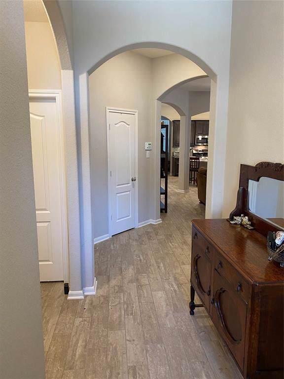 29042 Crystal Rose Lane, Fulshear, TX 77441 (MLS #44254023) :: Ellison Real Estate Team