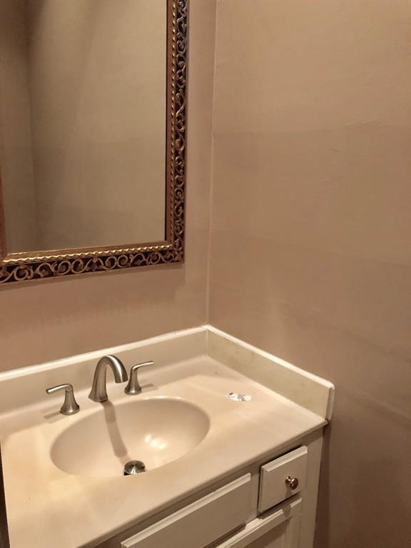 11711 Memorial Drive #599, Houston, TX 77024 (MLS #44789559) :: Fairwater Westmont Real Estate