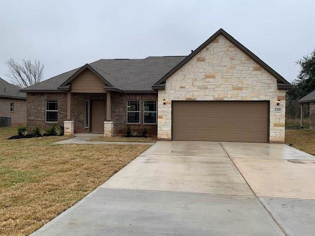 1321 Gifford Road, Angleton, TX 77515 (MLS #448735) :: Connect Realty
