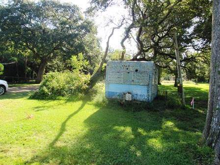 13 Merlin Drive, Sargent, TX 77414 (MLS #44906786) :: The SOLD by George Team
