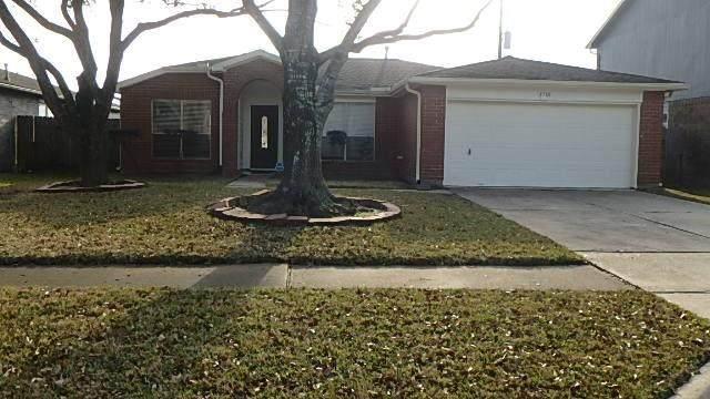 1718 Oak Meadow Drive, Kemah, TX 77565 (MLS #45381907) :: Ellison Real Estate Team