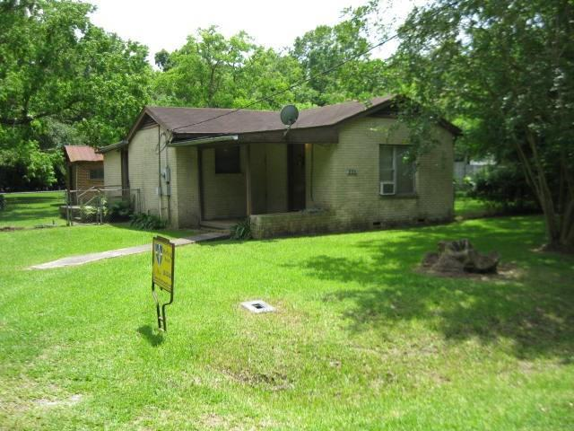 282 County Road 2363 E, Hardin, TX 77575 (MLS #45494132) :: Texas Home Shop Realty
