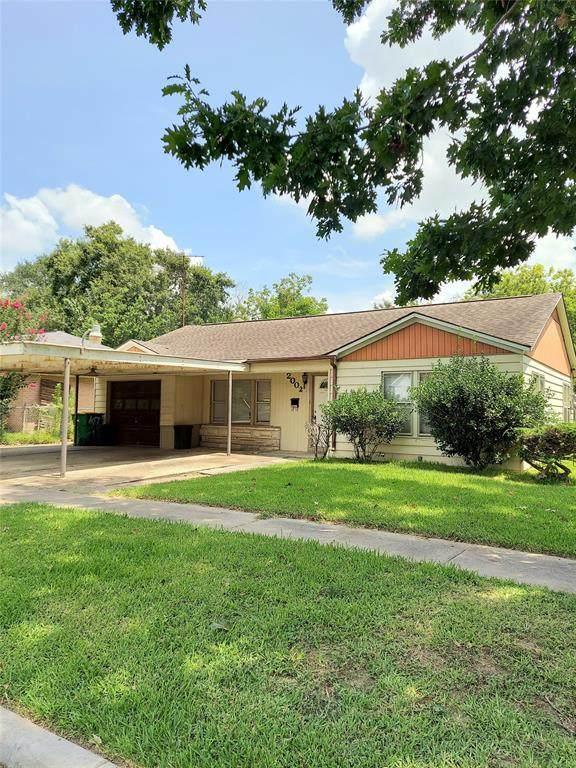 2002 Kentucky Street, Baytown, TX 77520 (MLS #45506042) :: TEXdot Realtors, Inc.