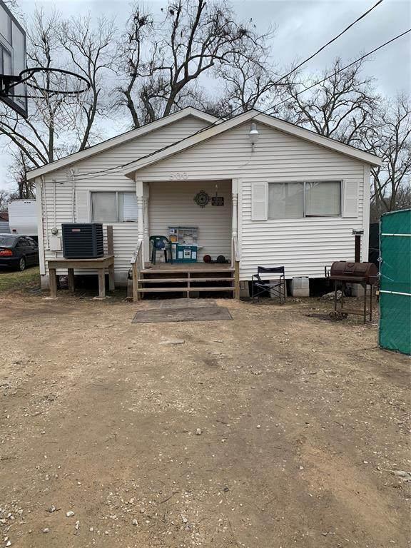 500 Lee Lane, Sugar Land, TX 77479 (MLS #45583143) :: Christy Buck Team