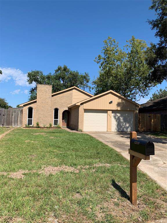 12519 Drifting Winds Drive, Houston, TX 77044 (MLS #46133076) :: The SOLD by George Team