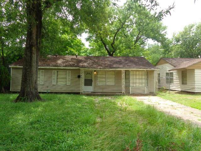 5222 Pensdale Street, Houston, TX 77033 (MLS #46244990) :: The SOLD by George Team