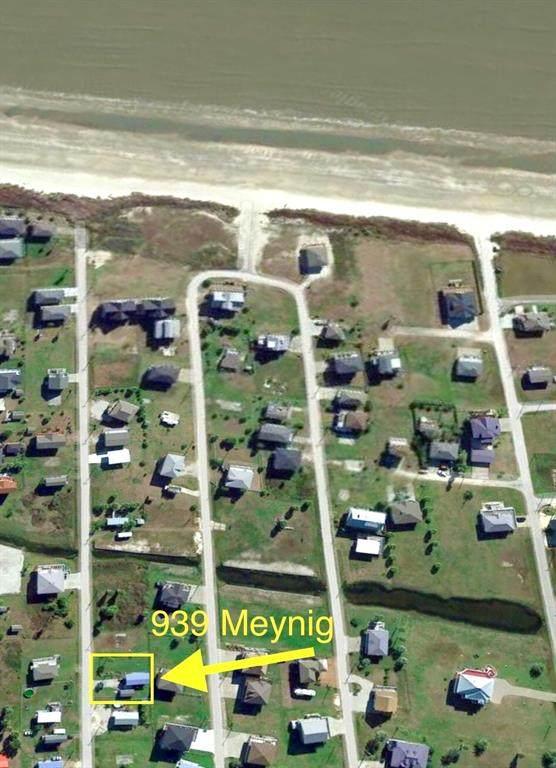 939 Meynig Drive Drive, Crystal Beach, TX 77650 (MLS #46436209) :: Homemax Properties