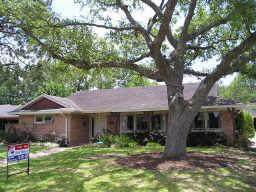 4601 Creekbend Drive, Houston, TX 77035 (MLS #46676983) :: The SOLD by George Team
