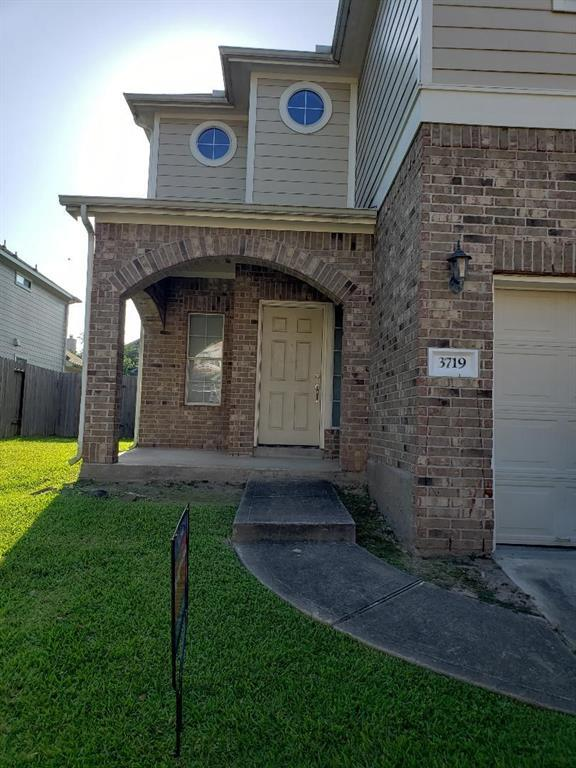 3719 W Ashford Villa Lane, Houston, TX 77082 (MLS #467078) :: The Heyl Group at Keller Williams